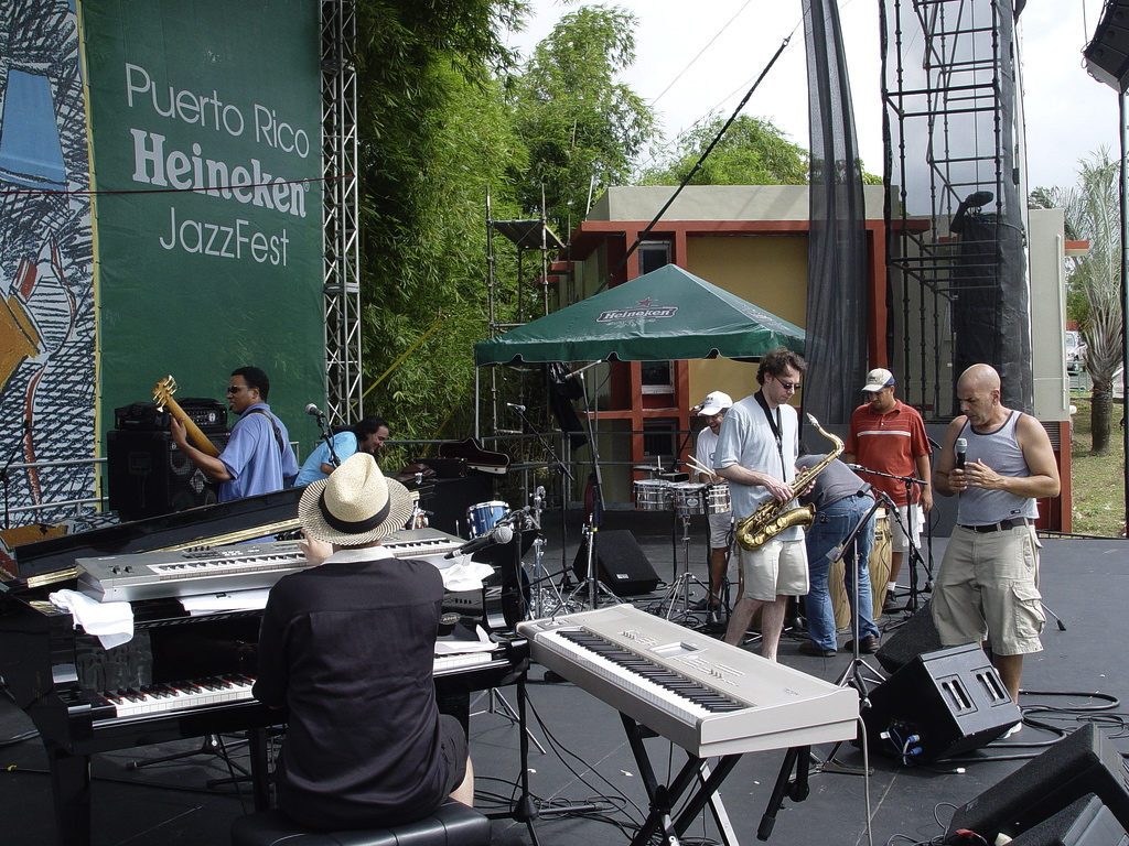 thumb_Tony Perez - Puerto Rico - Heineken Jazz Festival 022_1024.jpg