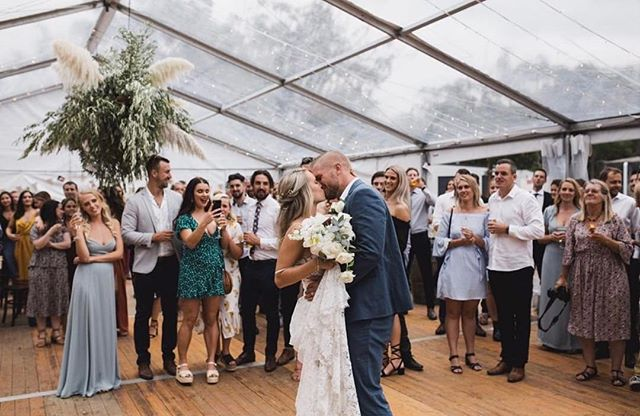 Congratulations to these two love birds who tied the knot on Saturday 🌠 • 📷 @kldcollective