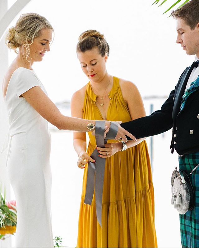 Traditional Scottish handfasting with these gorgeous two (three). Special mention to the gorgeous @ceremoniesbybri 💚