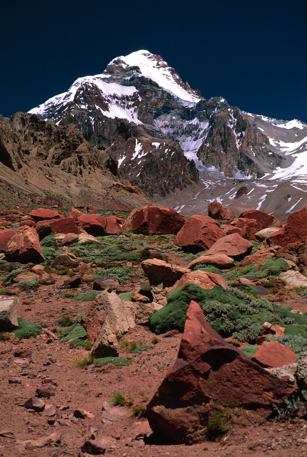 By  Winky  from Oxford, UK (Flickr) CC-BY-2.0,  Aconcagua Mountain from base, Argentina