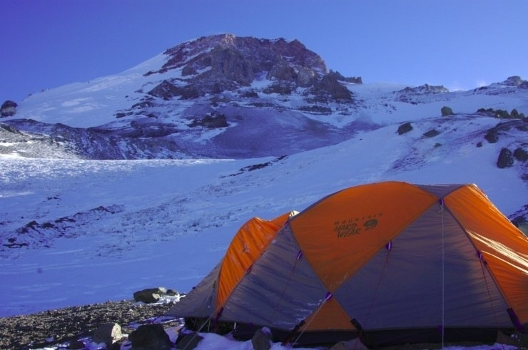Chopper camp at above 5300 m, photo from the Aventuras Patagonicas web-site