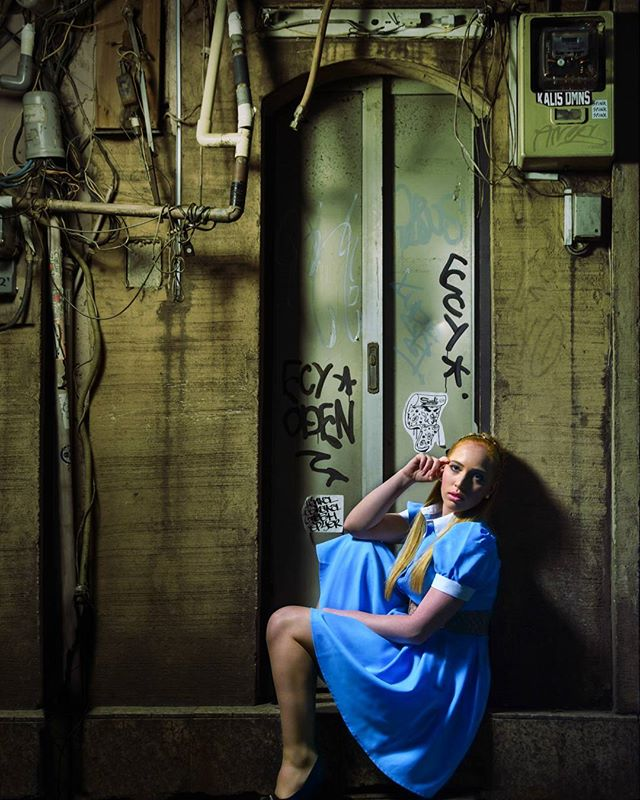 Alice back to reality  #alice #aliceinwonderland #life #blue #bluedress #portrait #woman #door #olddoor #fachada #alicia #night #reality #portrait #creativeportrait