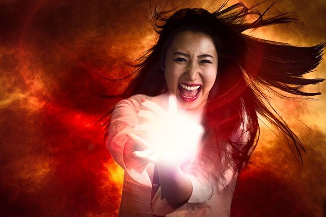 Playing with fire #play #women #lady #fire #fireball #hot #redhot #japanese #japanesegirl @tv_5_xq