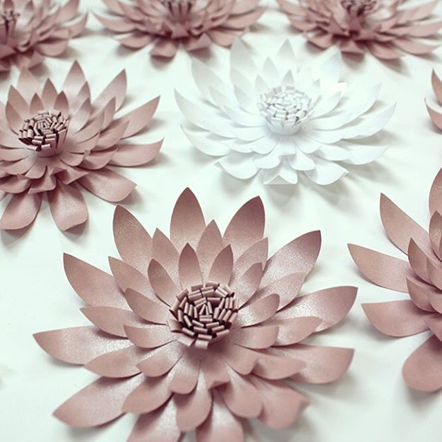 Throughout May Foldability has been making paper flowers for Mother's Day at @MichaelKors stores across Europe. This weekend we will be in Paris hand-making paper flowers from 12-6pm at: - Michael Kors, Rue Saint-Honore, 25-26th May - Michael Kors, Printemps Haussmann, 25-26th May - Flowers will be gifted inside a bespoke Michael Kors box to customers who make a qualifying purchase. - #AD #foldability #michaelkors #paperart #paper #paperartist #handmade #design #craft #Paris