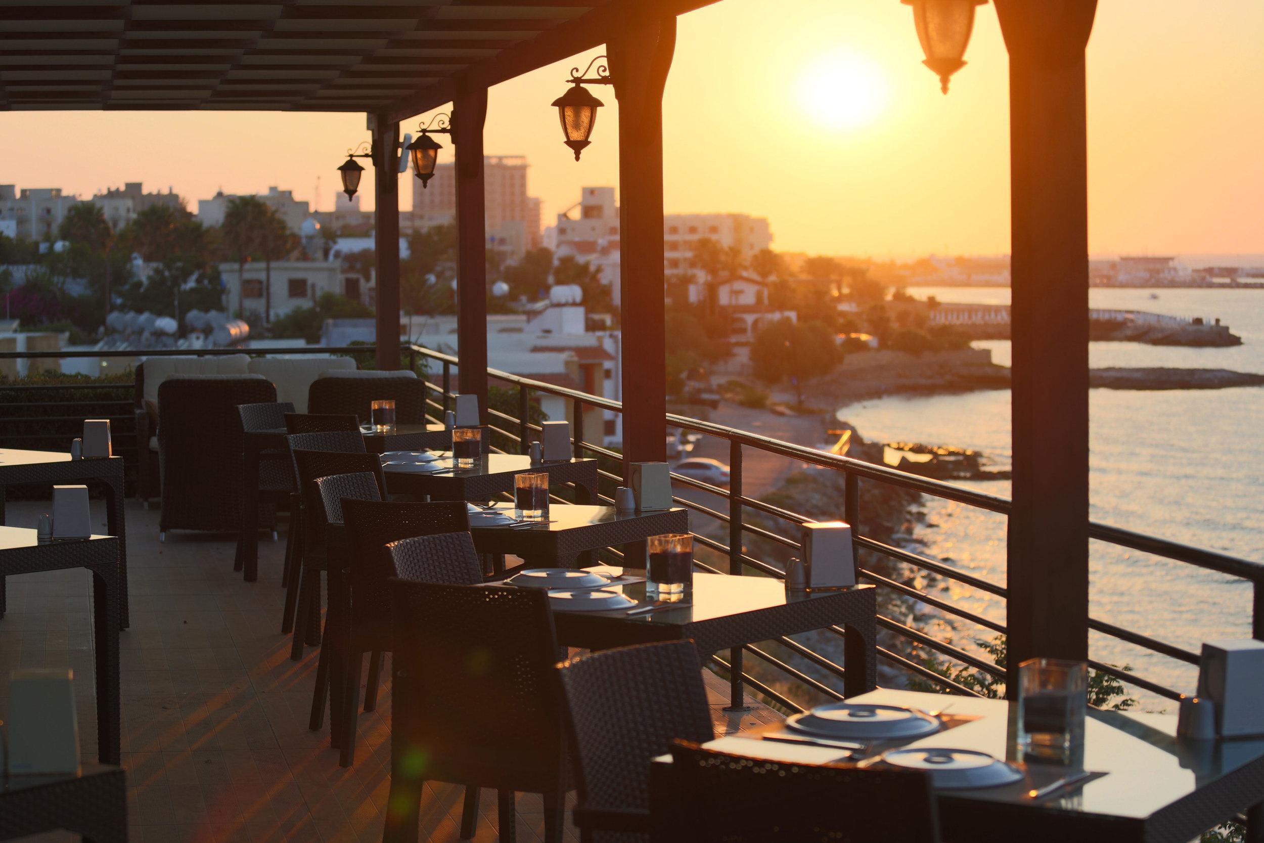7 Restaurant 4.jpg
