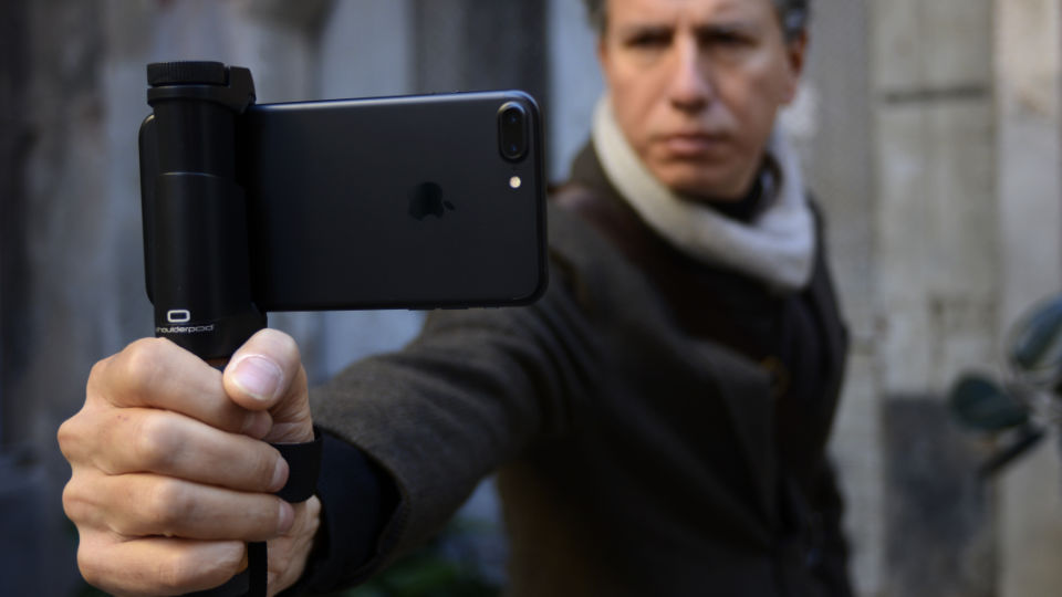 Shoulderpod S2 - handle grip stabilizer for iPhone 7 Plus