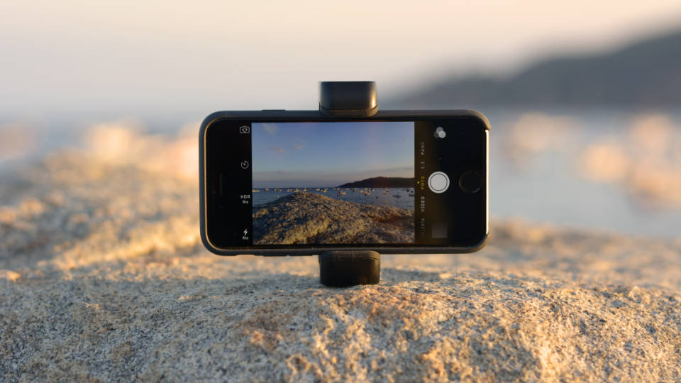 Shoulderpod G1 tripod mount and stand for iPhone 7 plus