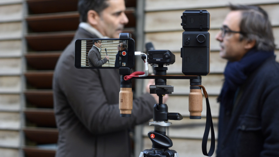 Shoulderpod X1 iphone rig mobile journalism mojo