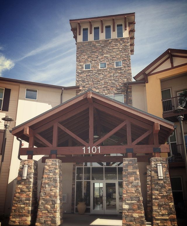 E X T E R I O R S :: Auburn Ridge Senior Living in Castle Rock, Colorado. . . #stonetower #splitfacestone #exposedtrusses #entry #colorado #castlerock #PWNarchitects #stonecolumns #lookout #beacon