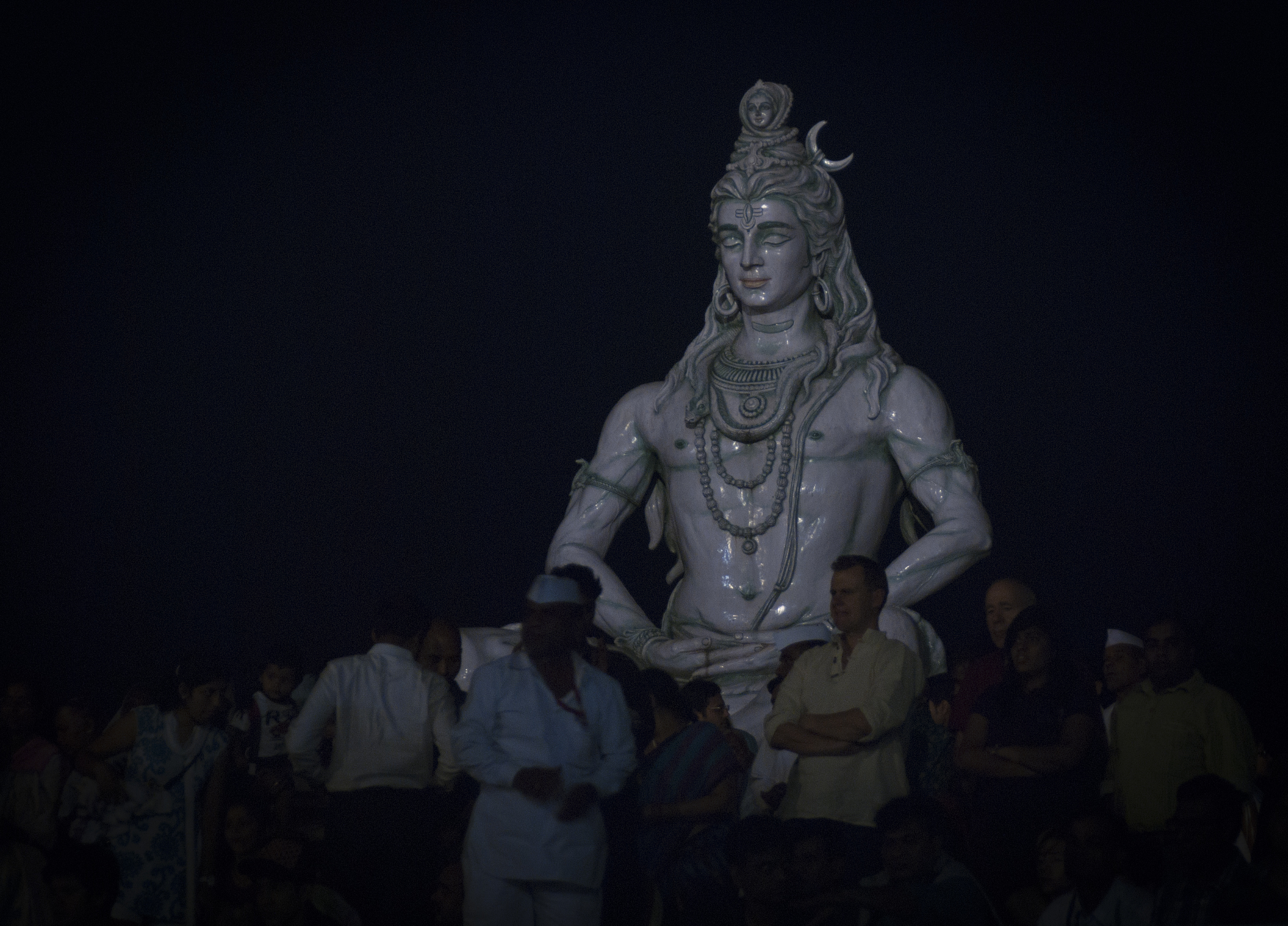 Rishikesh was often recognized by the large Shiva statue which was recently swept away in the 2013 floods that killed