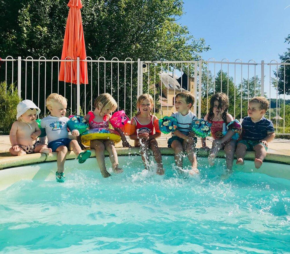 Zwembad kindertjes 2019.jpeg