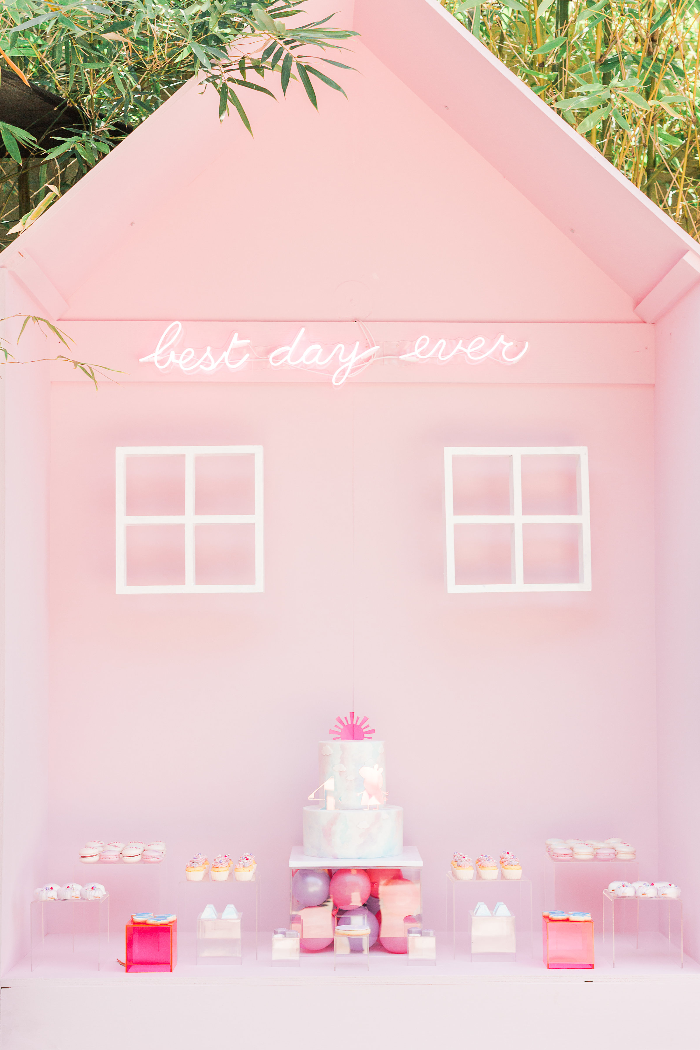 Best Day Ever(A Magritte Peppa Pig) -