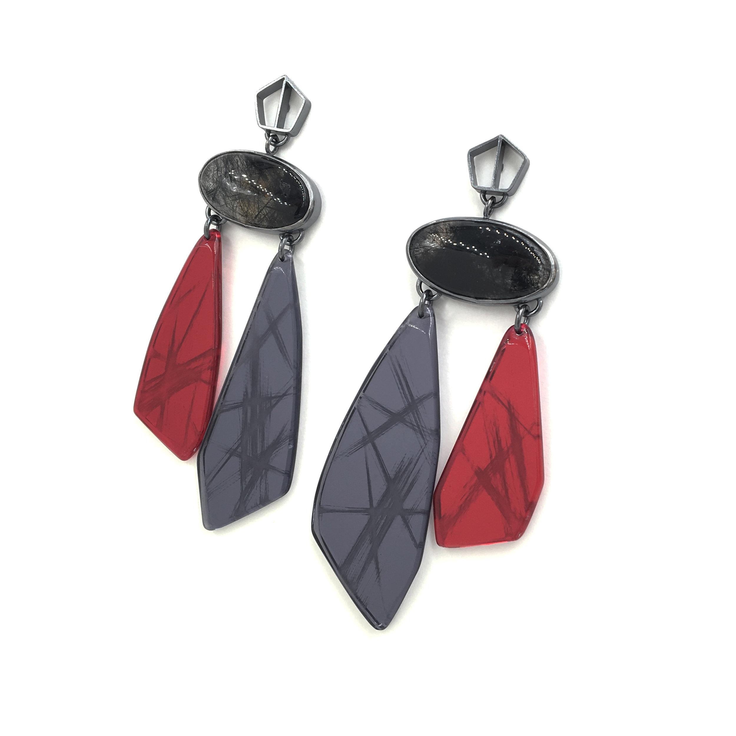 Red-Gray Mirror Drop