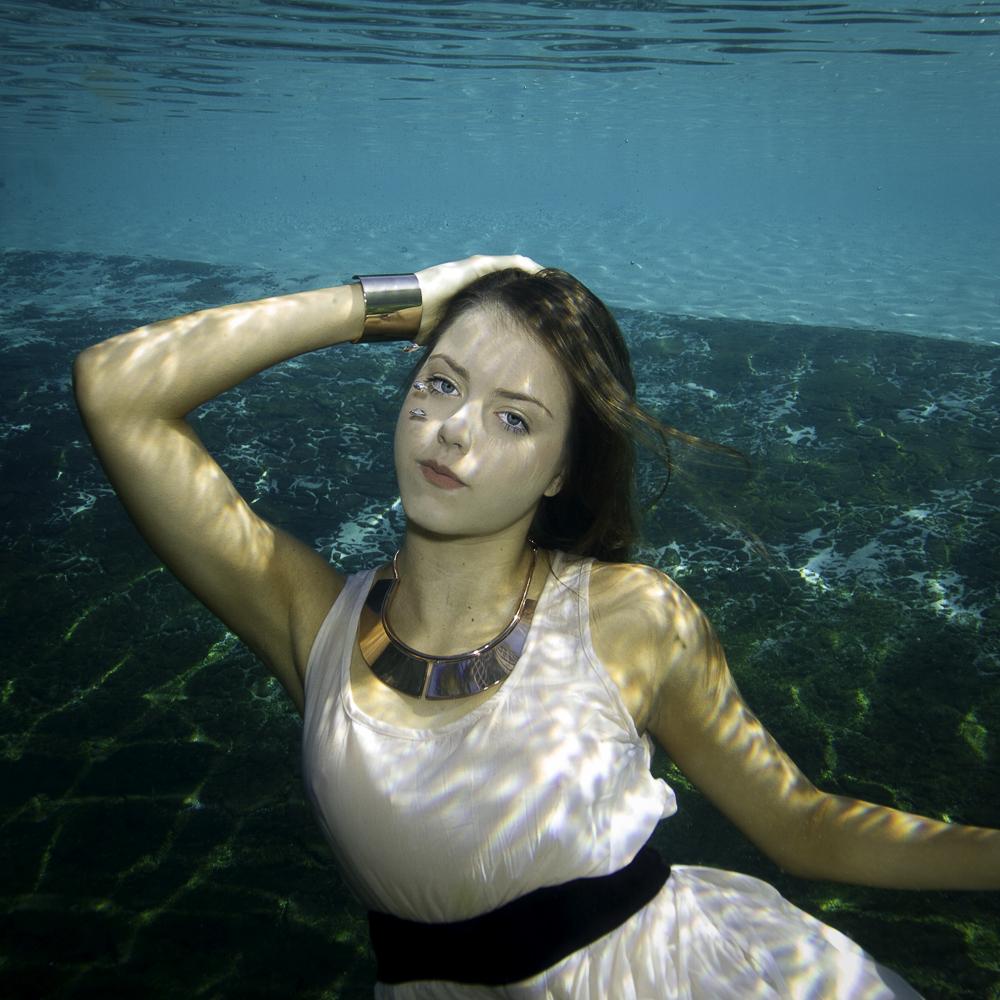 Underwater 6856.jpg