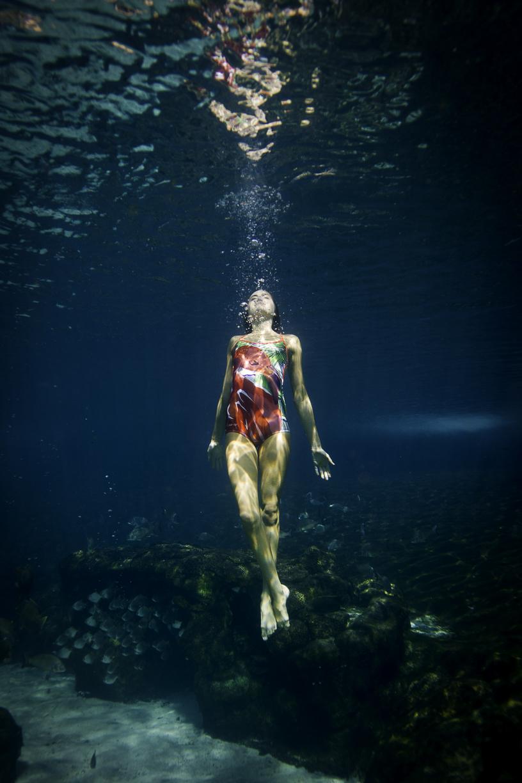 Underwater 7203.jpg