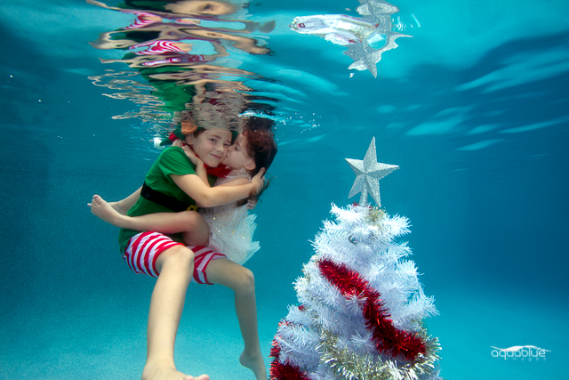 Underwater_Christmas_Gold_Coast_Siblings.jpg