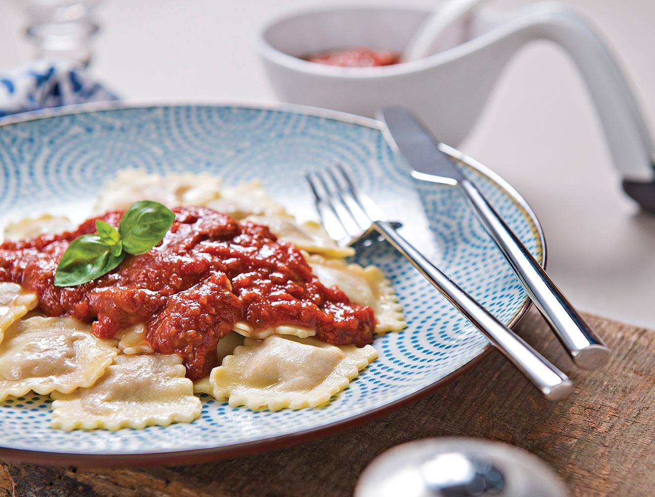 Pasta-y-basta-ravioli-con-carne.jpg