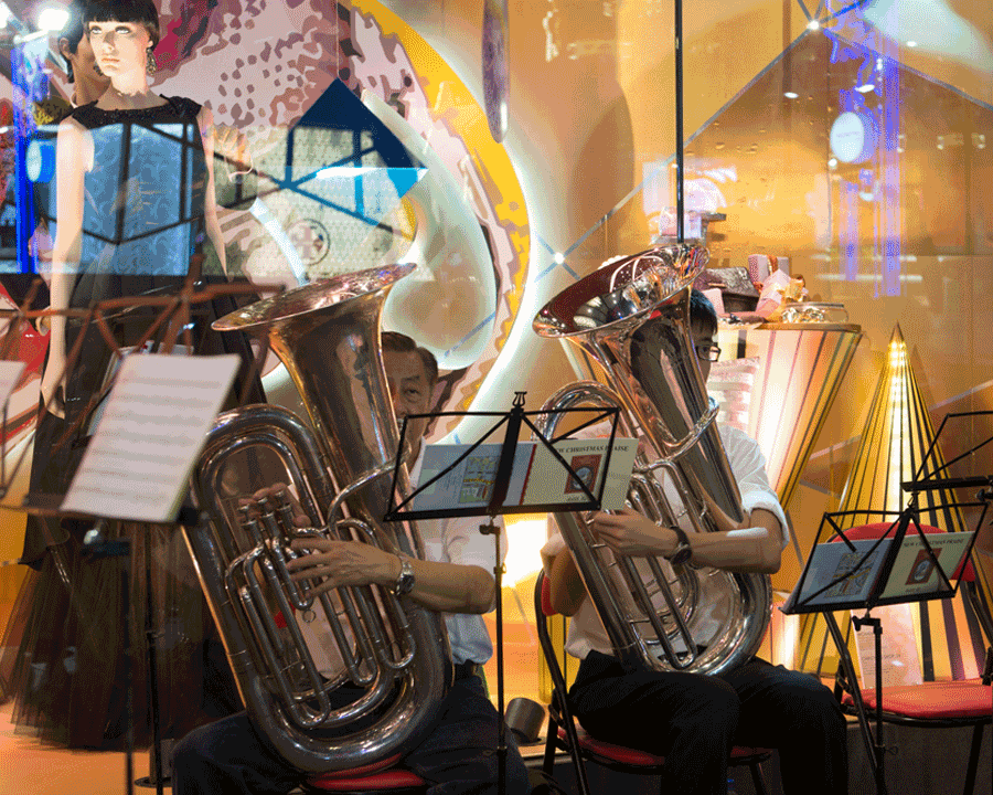 'Salvo Band' © Naida Ginnane 2016 Nikon D800, 24-70mm lens. f/5.6, 1/60, ISO 250  People who choose to perform in public spaces are great subjects because they can't run away!