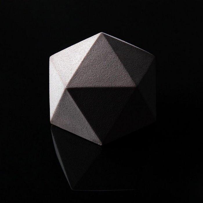 architectural-cake-designs-patisserie-dinara-kasko-08.jpg
