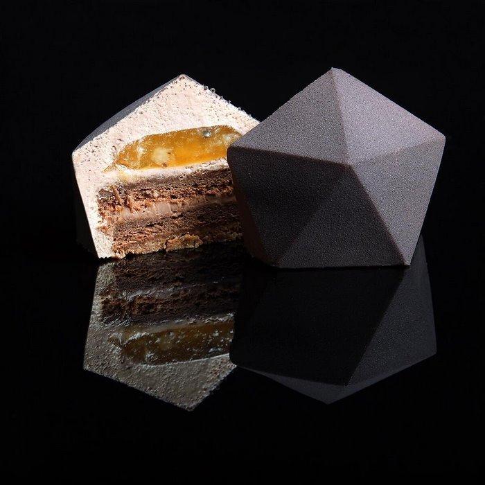 architectural-cake-designs-patisserie-dinara-kasko-013.jpg