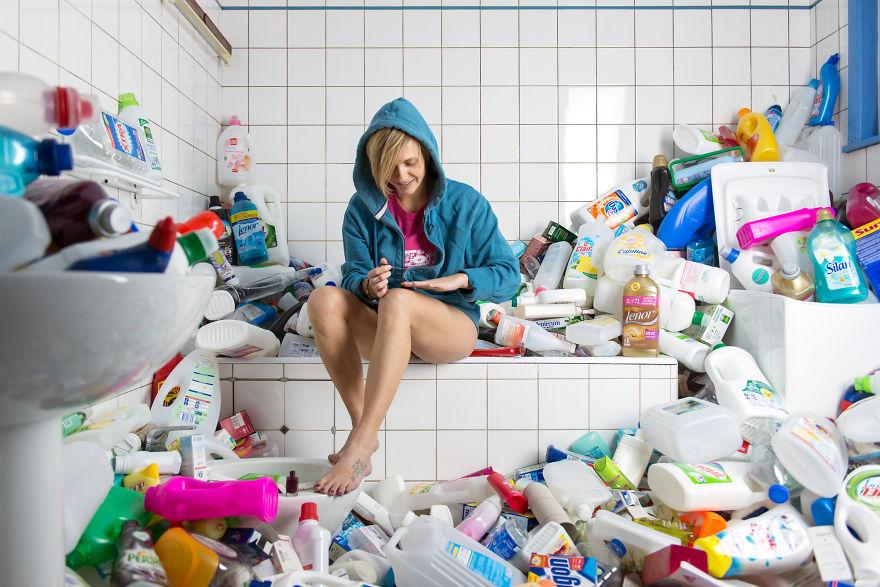 4-years-trash-365-unpacked-photographer-antoine-repesse-7-594910df56529__880.jpg