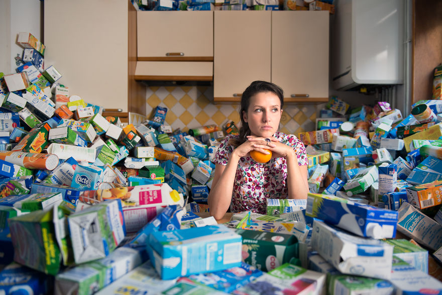 4-years-trash-365-unpacked-photographer-antoine-repesse-4-594910d03a8f6__880.jpg