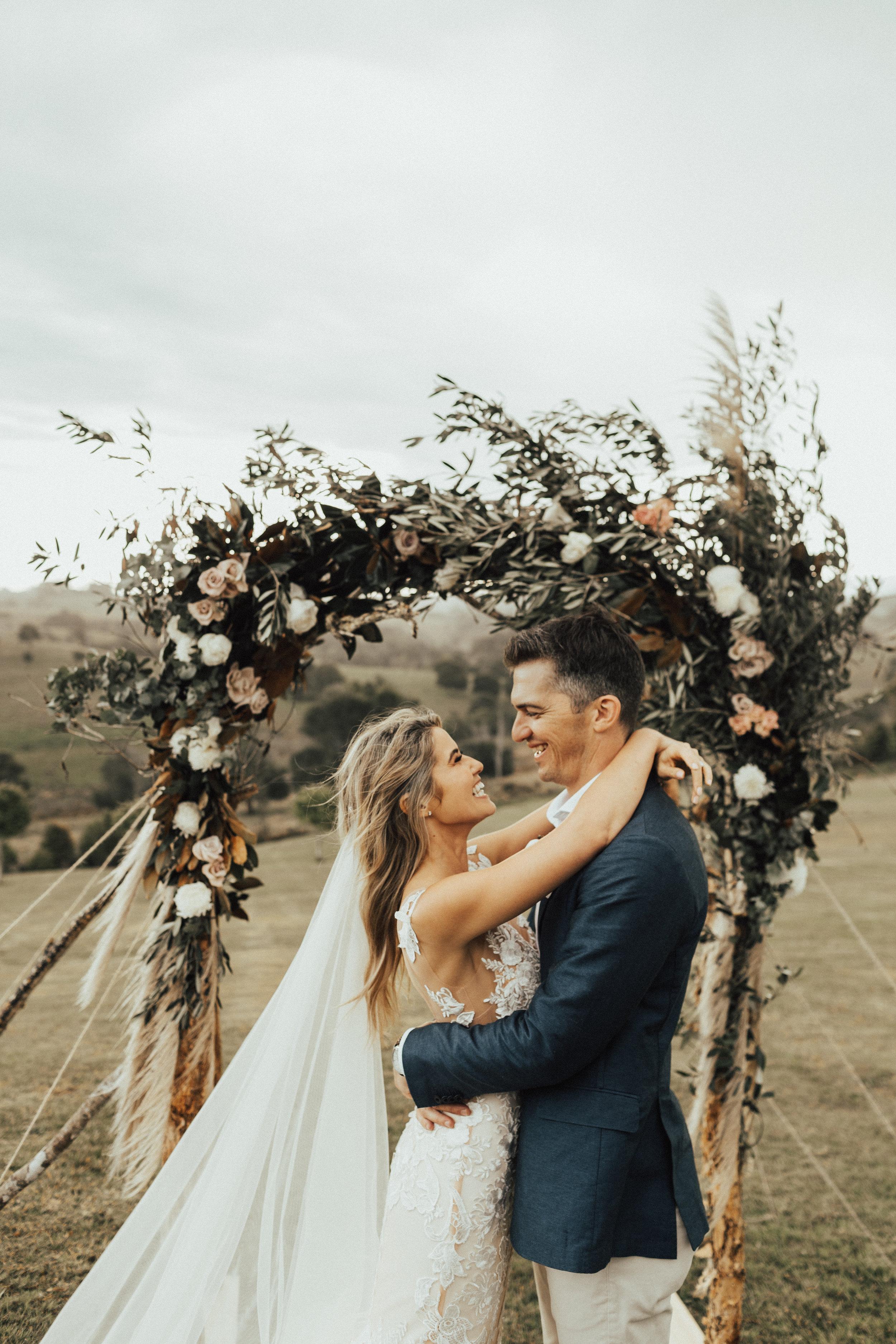 LAURA & MATT / BYRON ABY HINTERLAND