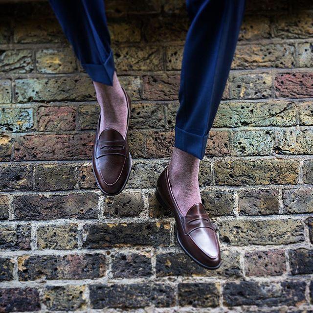 Sagan Grand in Dark Oak French Calf 🌕  #sagangrand #baudoinlange #launching #thenewsagan #baudoinandlange  #belgianloafers #loafers #handmadeshoes #belgianshoes #slippers #bespokeshoes #handmade #comfort #unlined #unlinedloafers #unlinedshoes #luxuryshoes #handmade #thesagan #mensshoes #menswear  #comfortableloafers