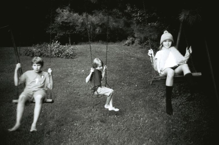 grandkids-on-swing.jpg