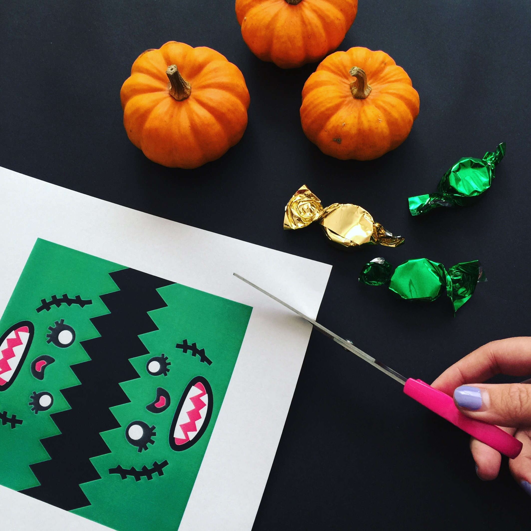DIY Halloween Paper Craft.jpg