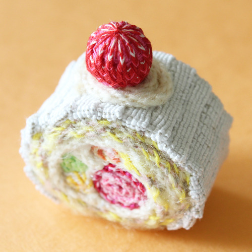 crochet swiss roll cake.jpg