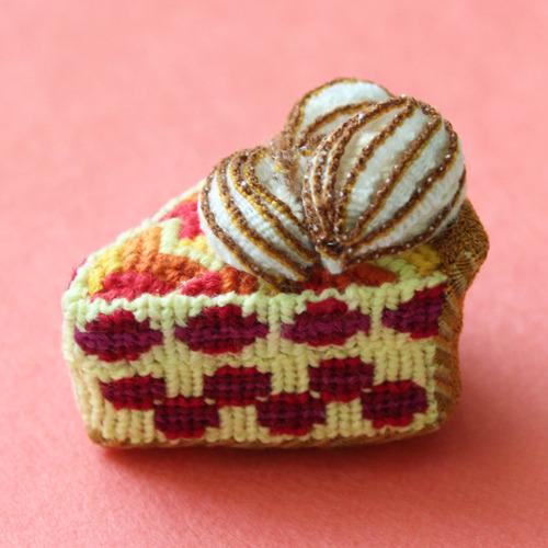 crochet victoria sandwich sponge cake.jpg
