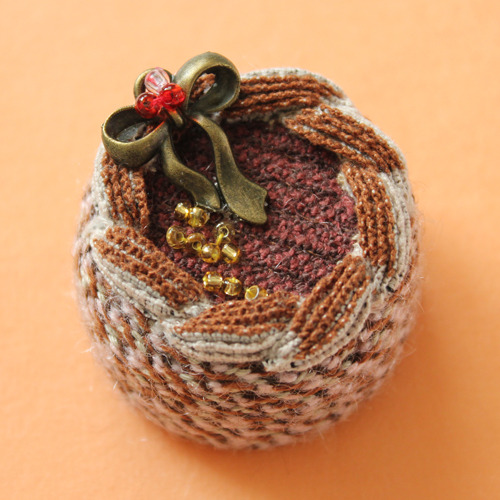 crochet knitted walnut cake.jpg