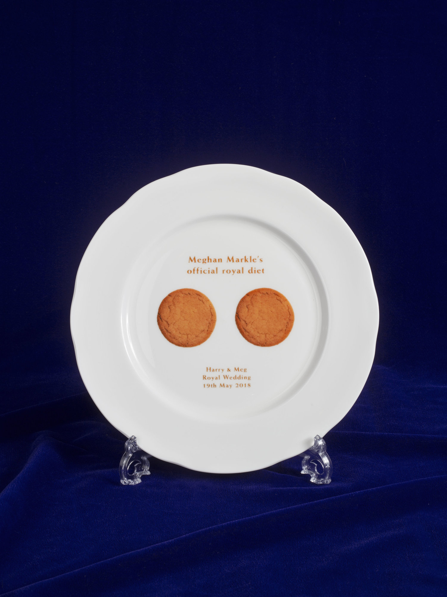 Harry and Meghan Wedding Ginger Biscuit Plate.jpg