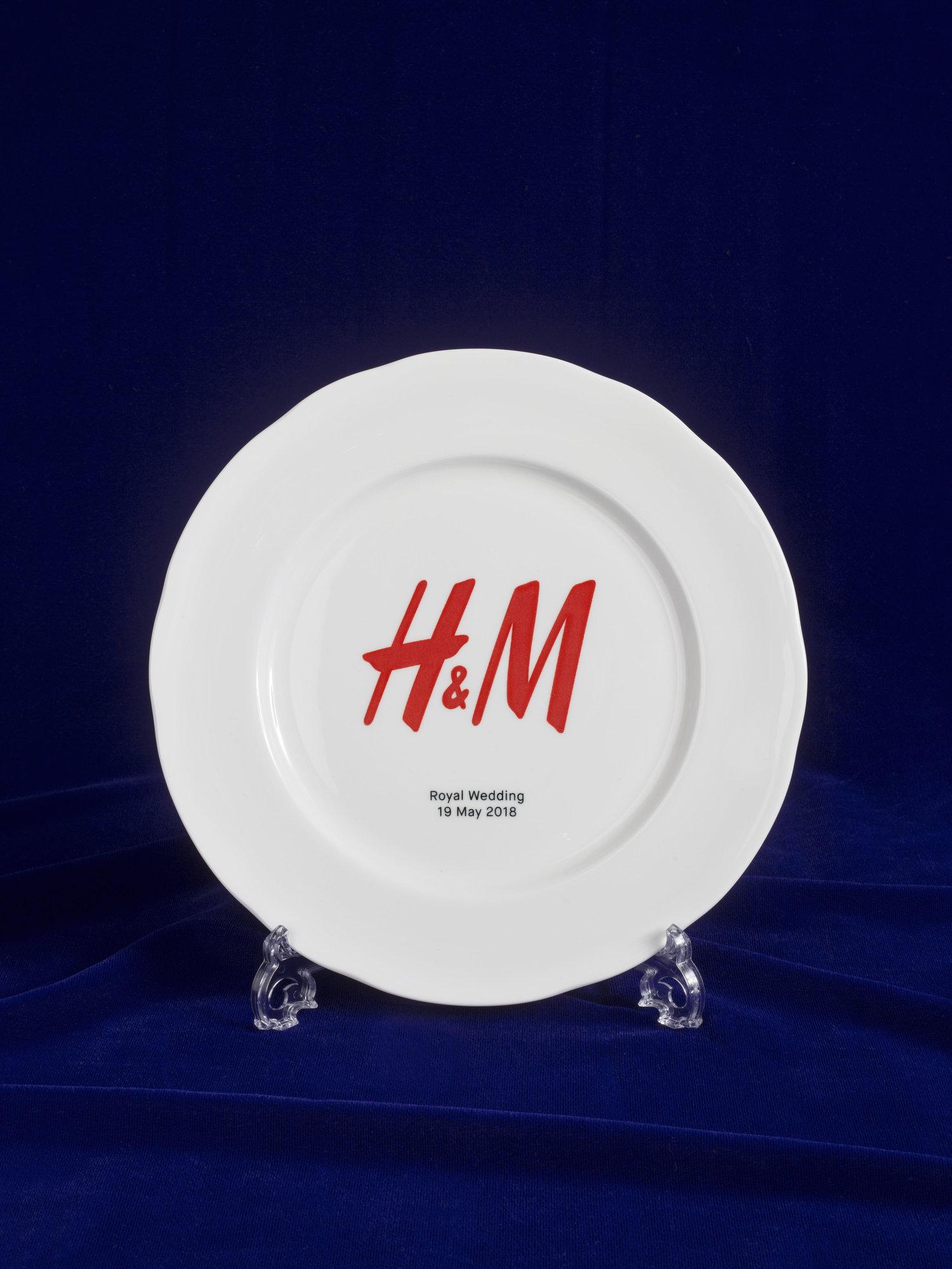 H&M Harry and Meghan Plate.jpg