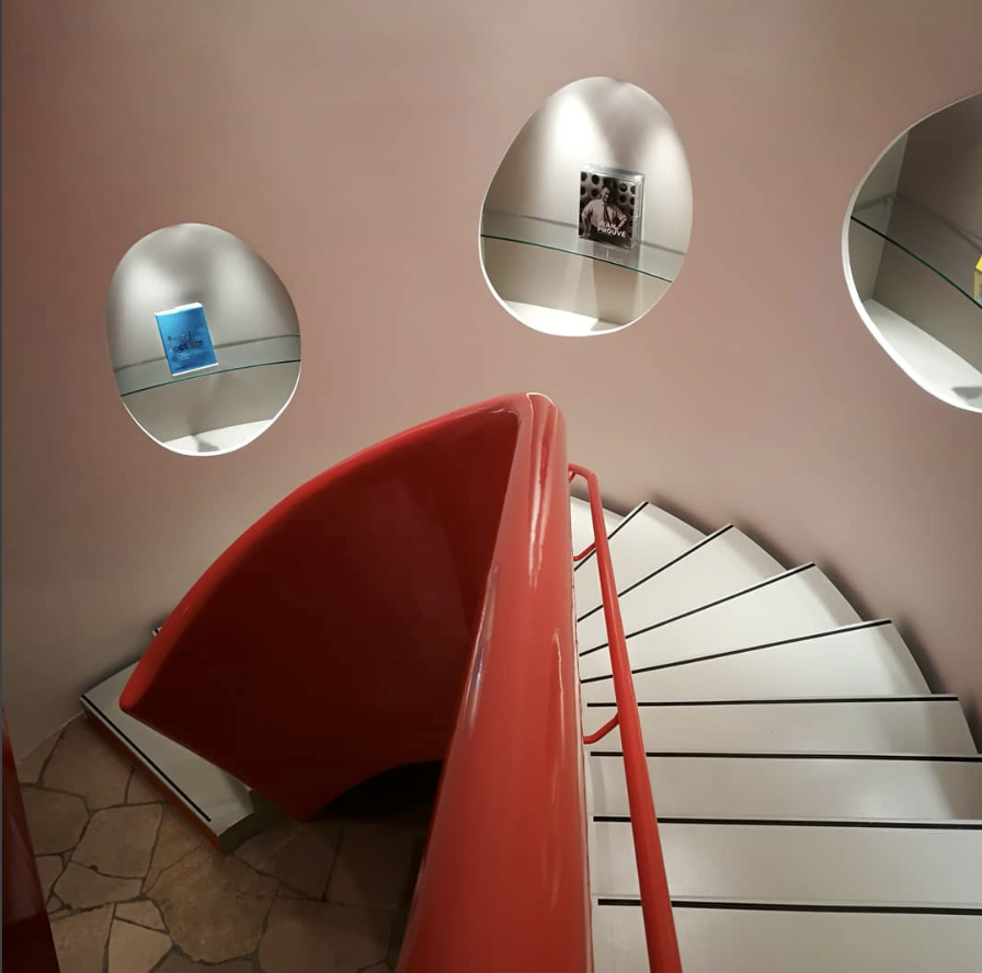 Super Cool Red and Pink Combination Staircases