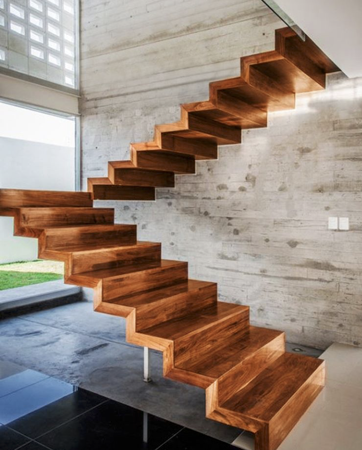 Handrail Free Indoor Wooden Staircases
