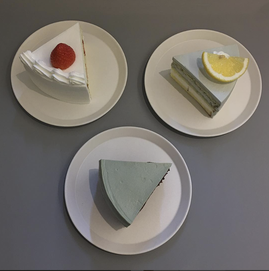 cake palette of different cake shapes