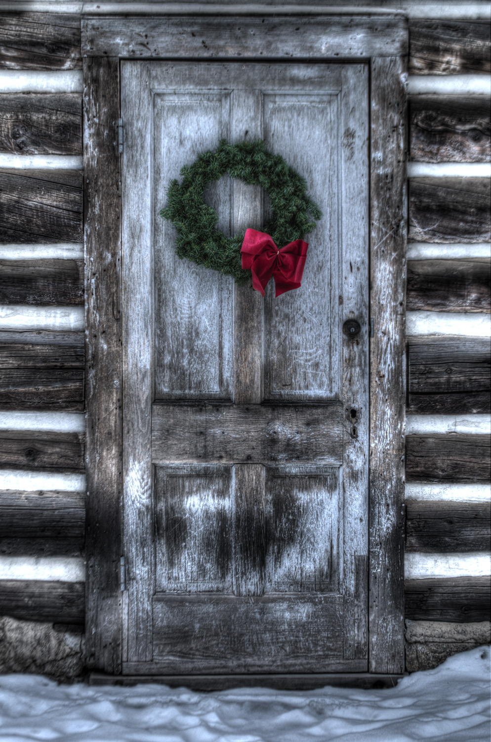 wreath on cabin door.jpg