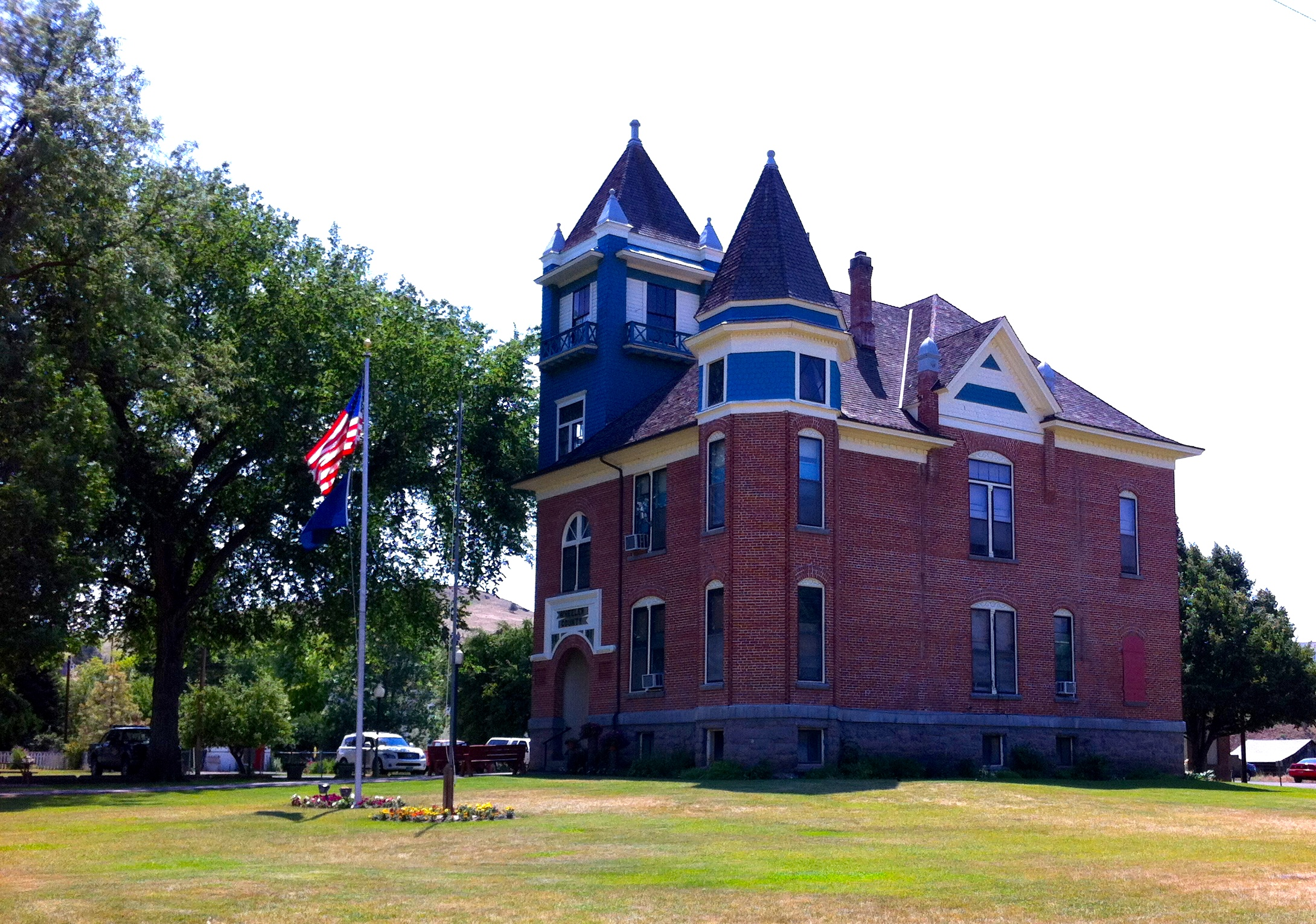 Fossil Courthouse