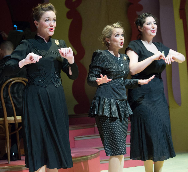 sisters of swing costume 1940s.jpg