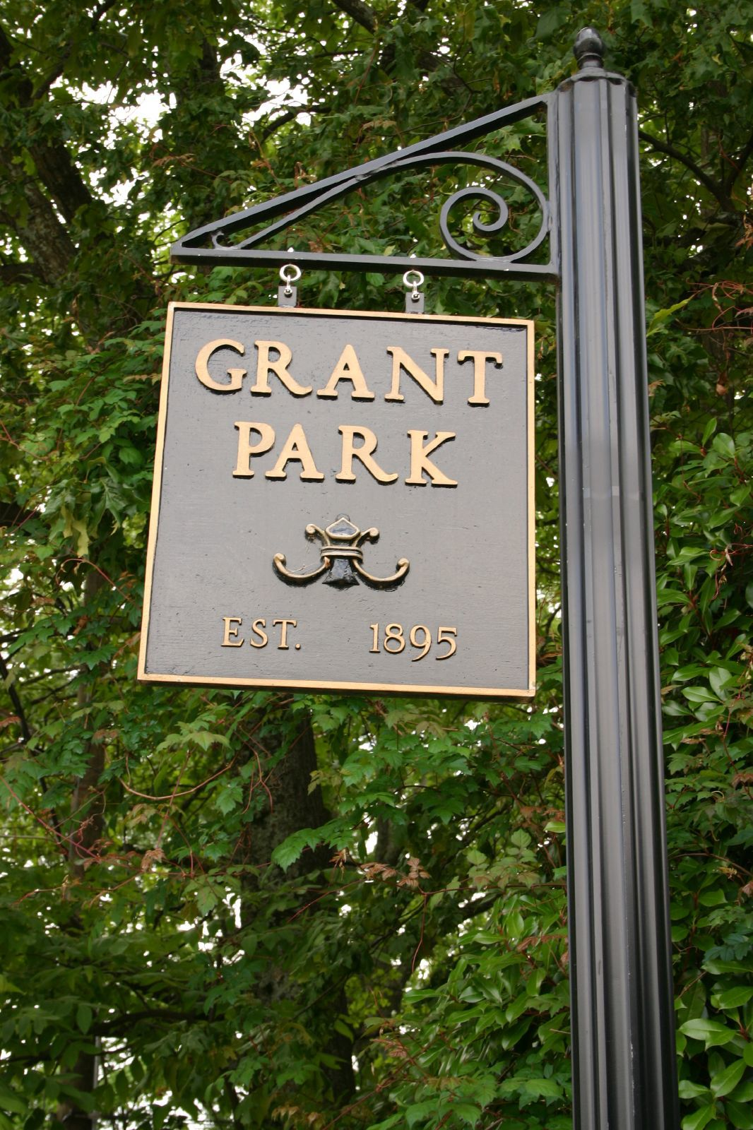 Grant_Park_sign.jpg