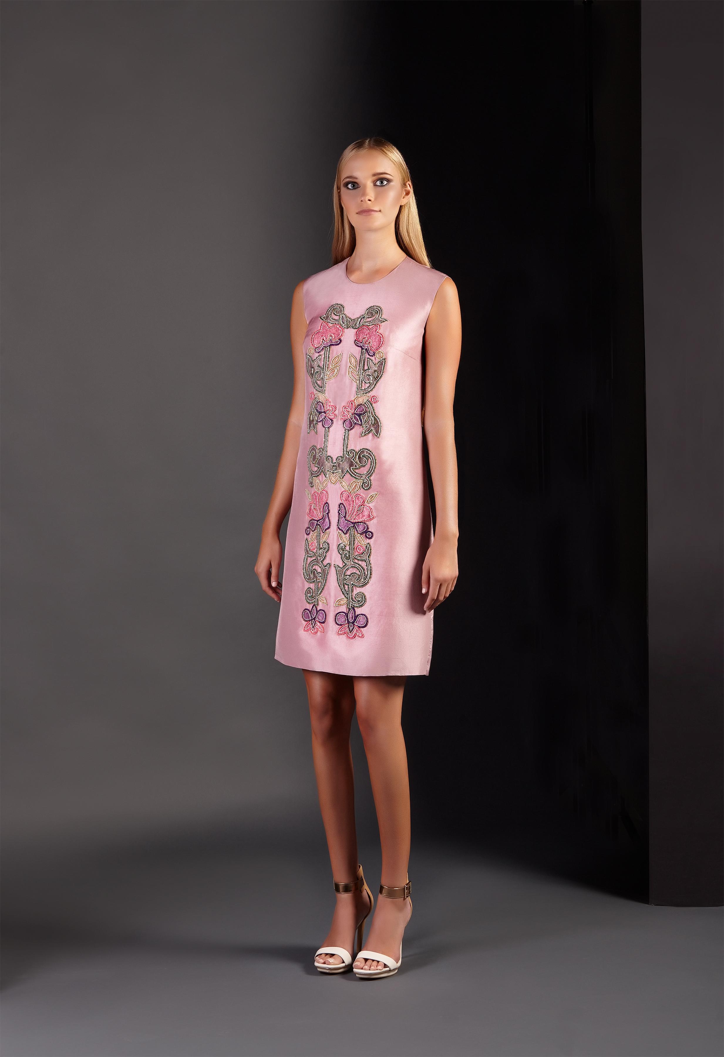 Floral_Embellished_Shift_Dress3.jpg