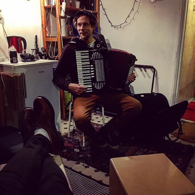 Treenit! #hermanniturkki #folkmelske #training #bandtraining #band #acoustic #kallio #accordion