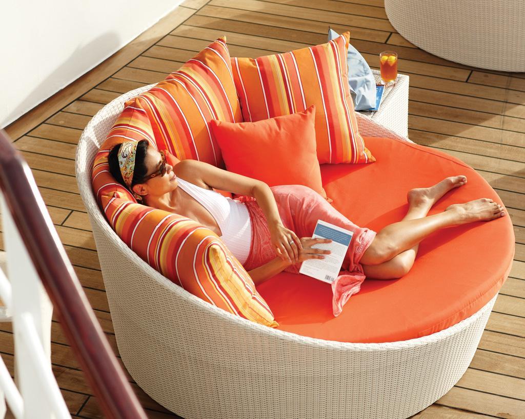 Crystal Lounge Chairs - v.com.jpg
