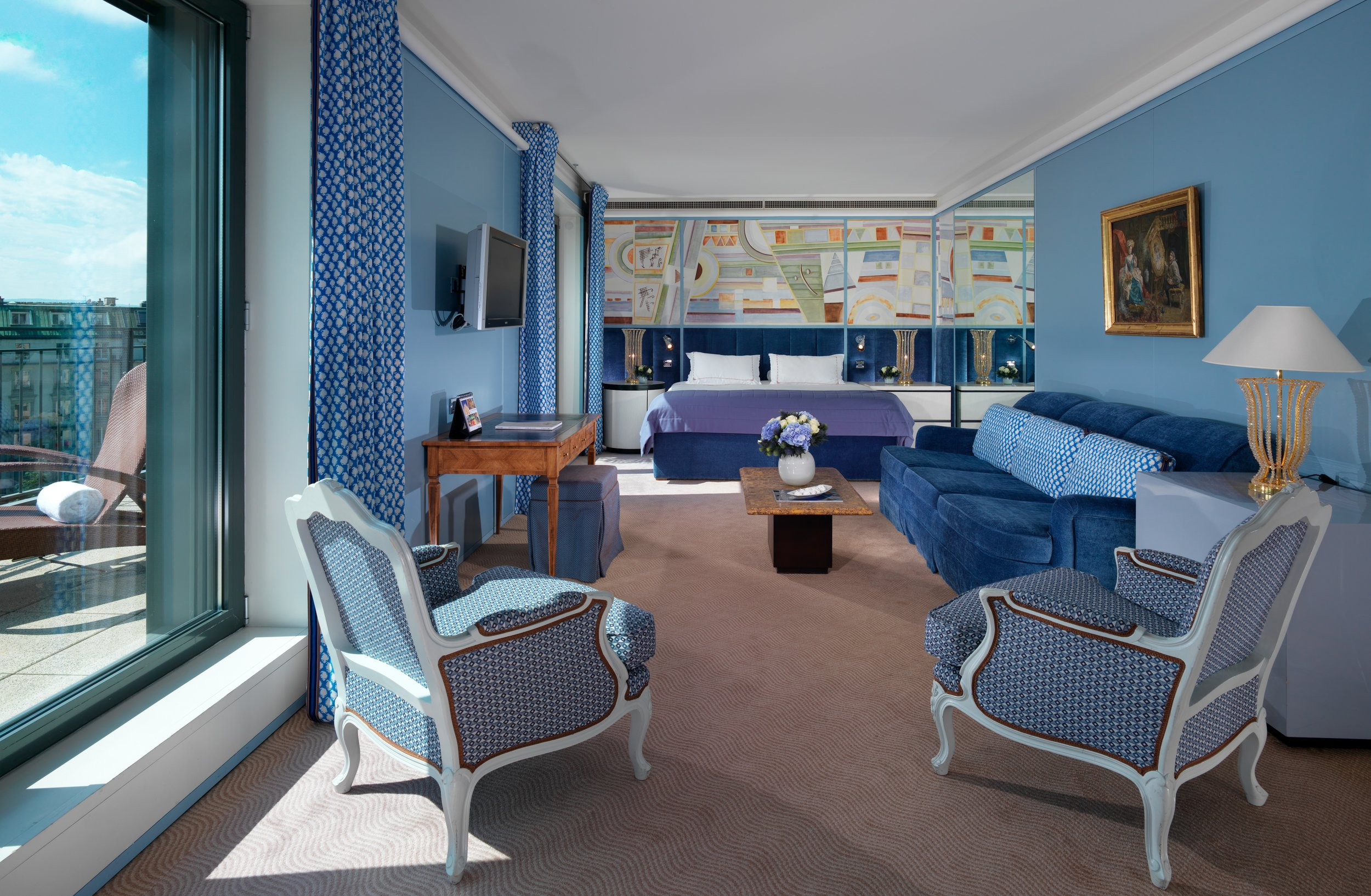Le Richemond LRG_Armleder Suite bedroom.jpg