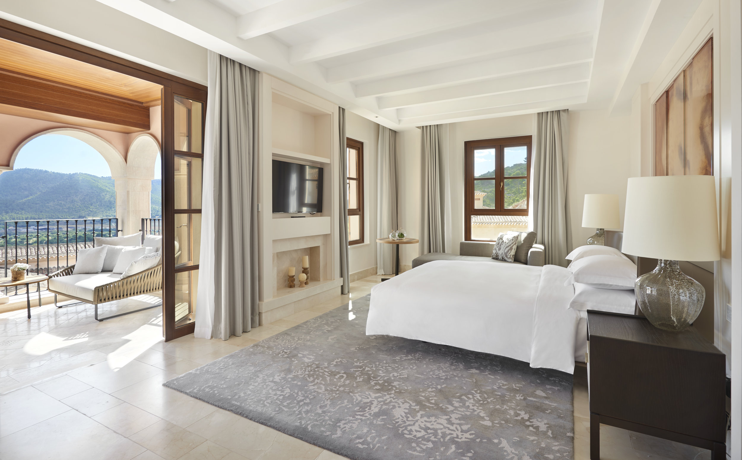 ST-Park-Hyatt-Mallorca-Presidential-Suite-Bedroom.jpg