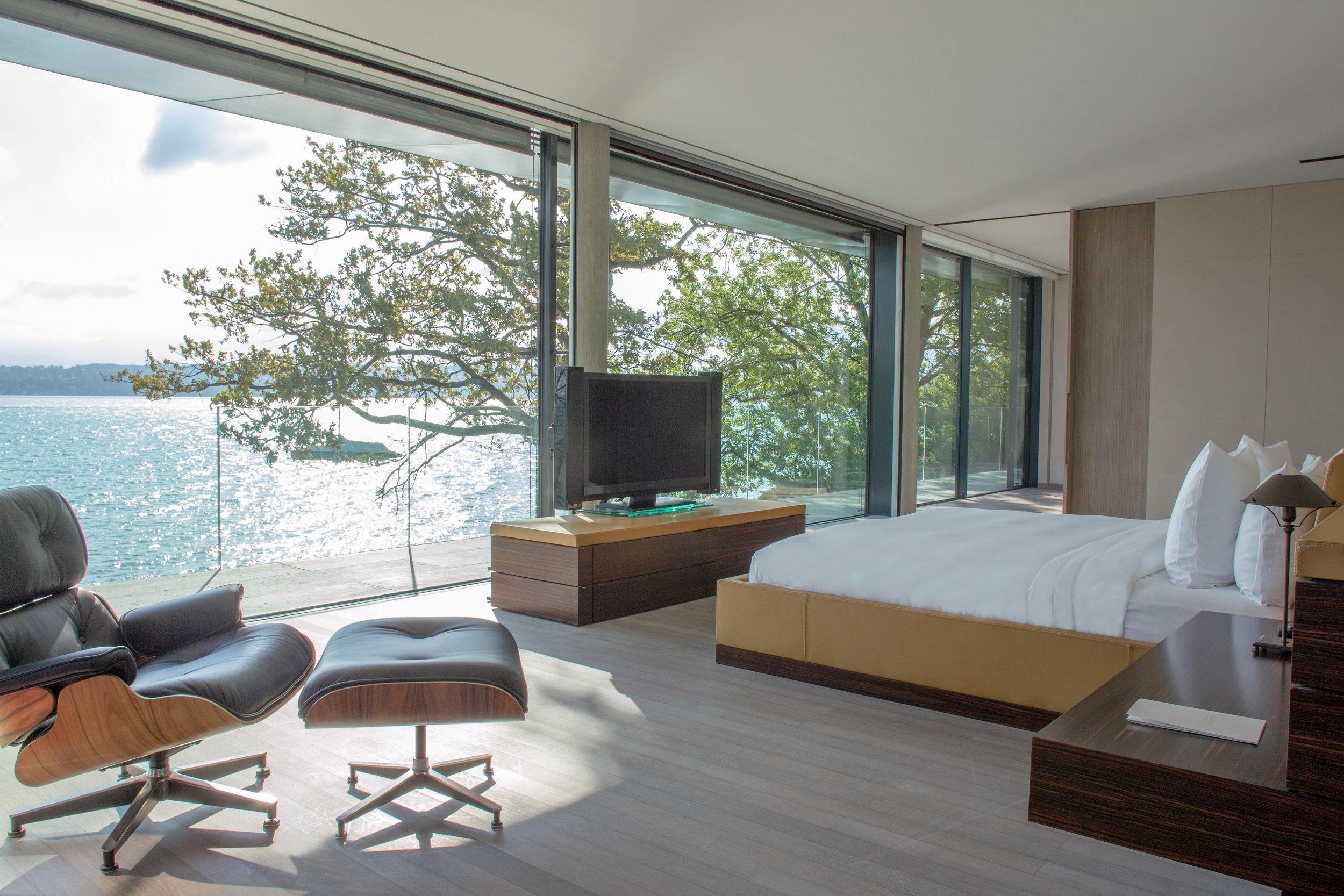La Reserve Geneve  Villa-du-Lac-Reserve-Geneve-Master-Bedroom-2.jpg