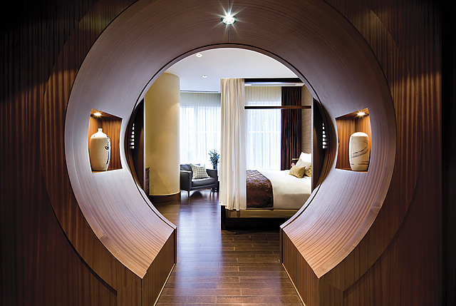 Shangri-La Suite - Moongate.jpg