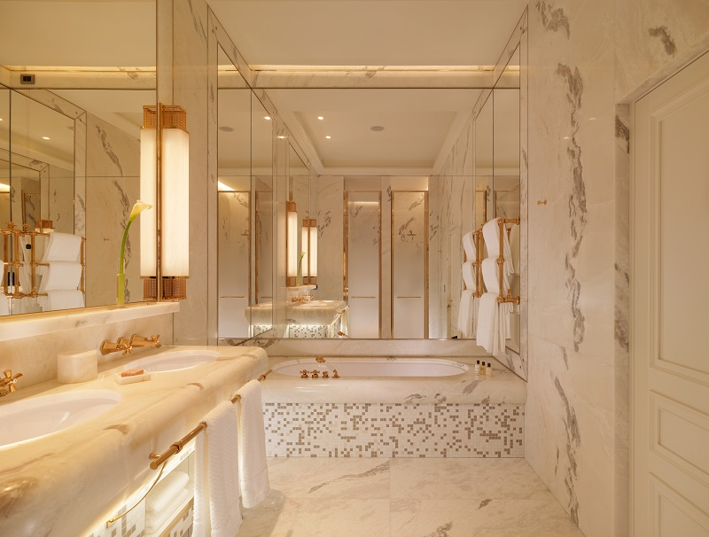 Hotel Eden Roma - Villa Malta Suite, bathroom - resize.jpg